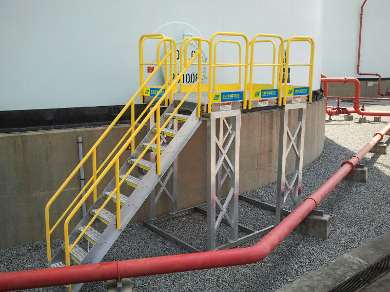 Erectastep 10-step industrial stairs to platform around tank