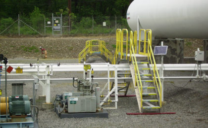 Erectastep crossover stairs for industrial pipelines